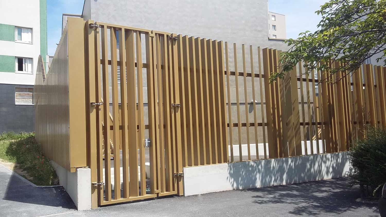 Barrière métallisée puis thermolaquée par SAPE